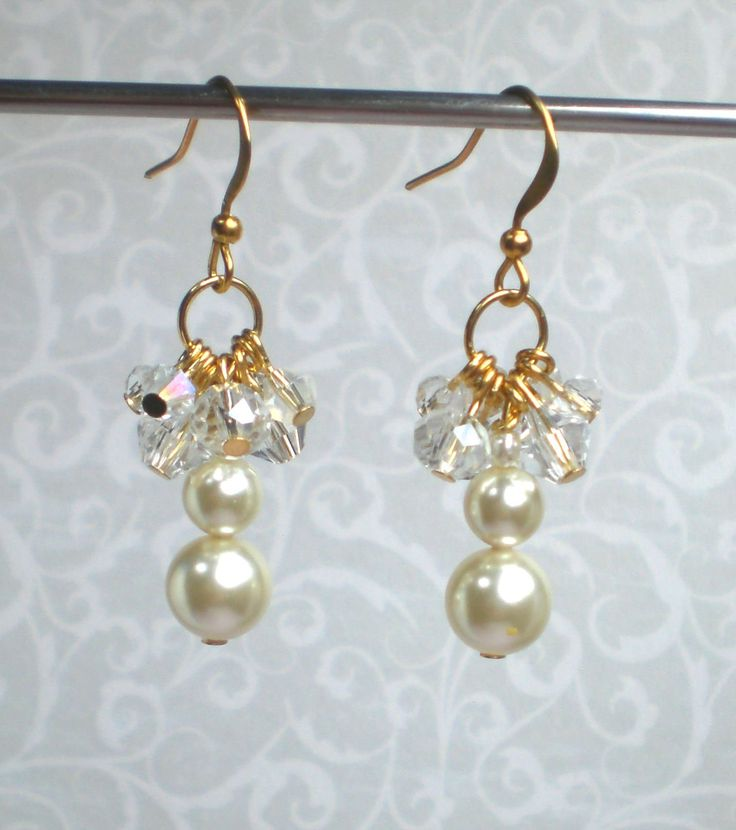 Bridal earrings Bridal earrings pearls Swarovski pearl earrings Pearl cluster earrings Bridal cluster earrings Cream pearl earrings by MrsBeadyEyes on Etsy