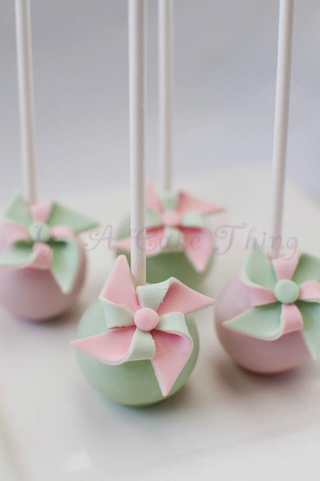Pinwheel cake pops by Its A Cake Thing (by Jhoanee)