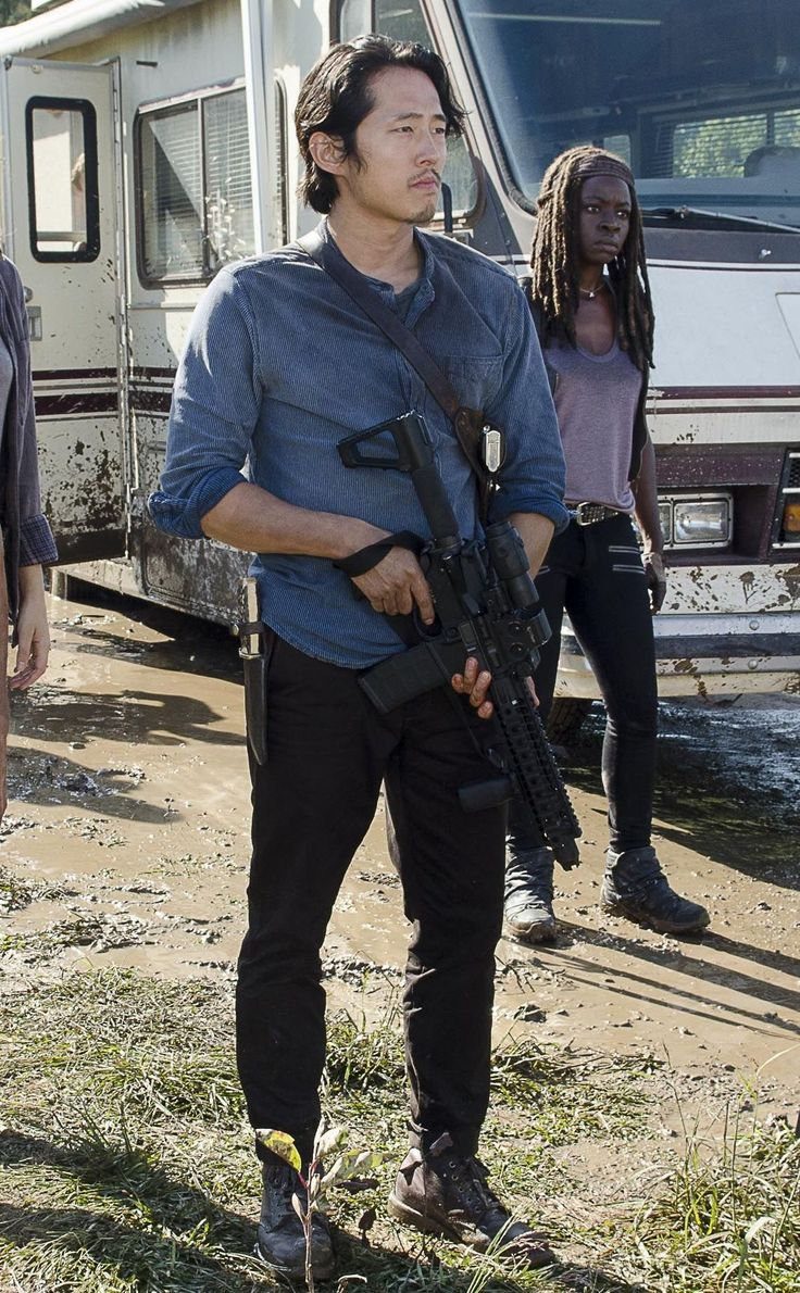 who is glenn dating on the walking dead No character in the walking dead skirmished death more times dating follow us having been left for dead, glenn catches up with his assailant at nightfall.