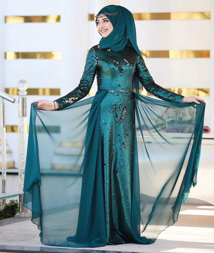Payetin en güzel en farklı hali💚 sezonun modası çift taraflı payette bizim yorumumuz☺️😍 #gamzeozkul #newcollection #hijab  www.gamzeozkul.com  Makyaj&türban @elifizmirturbantasarim