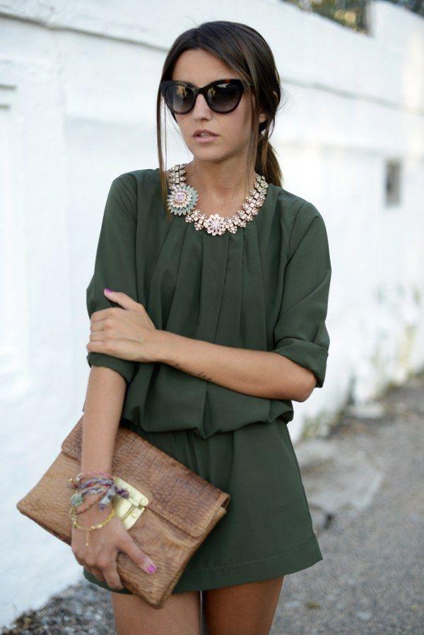 ¡Nos encanta cómo combina Lovely Pepa un vestido básico!