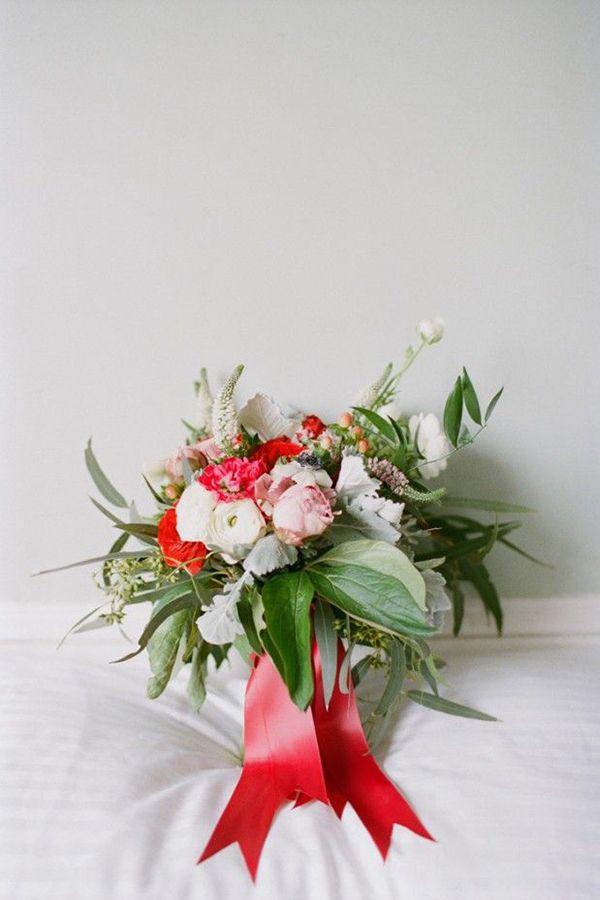 Bouquet de noiva de Natal. #casamento #noiva #bouquet #vermelho #verde #Natal