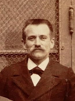 Georges Colomb (c. 1882). Profesor de Ciencias Naturales en el Lycée Condorcet. Influyó en Proust, en sus conocimientos de la botánica (futuro impacto en La Recherche).
