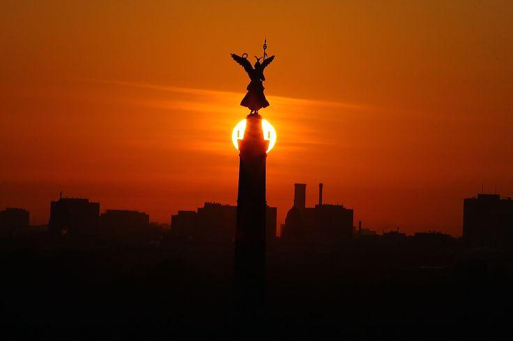 Siegessäule im Sonnenaufgang