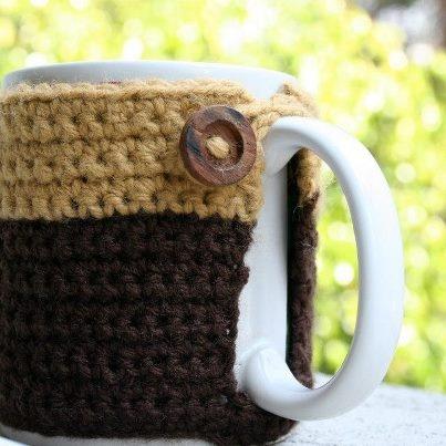 CUBRE TAZAS   Precio:$50.00    ¡Personaliza tu taza y mantén tu café caliente!     Elige los colores y detalles que quieras para tu taza favorita.
