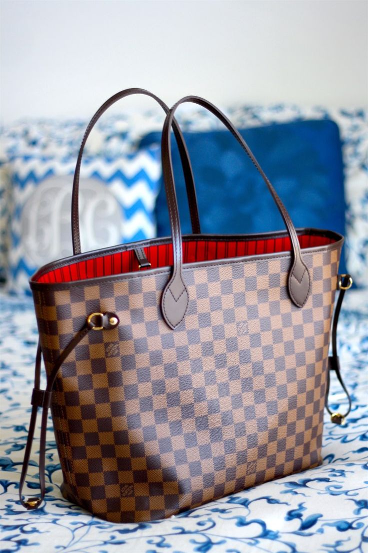 LOUIS VUITTON HANDBAG | Louis Vuitton Neverfull MM damier | www.bocadolobo.com/ #luxuryfurniture #designfurniture