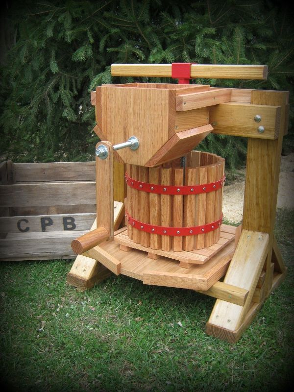 Apple Cider Presses , Fruit and Wine Presses, Apple Grinders and Pulp Bags. Made in the USA www.Cider-Press-n-Barrel.com