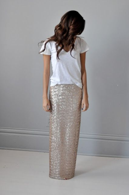 t-shirt + sequin skirtFashion, Style, Sequins Skirts, Long Skirts, Sequin Maxi Skirts, Sparkly Skirt, Sequins Maxis Skirts, New Years Eve, T Shirts