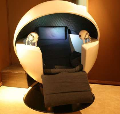 Pods Designed for Napping - In France, the Kiétud' Spa is equipped with high-tech facilities such as the caissons sensory isolation COCON. This...