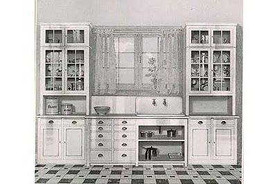 Oakview Cottage: 1920 Craftsman Kitchens