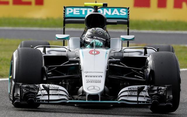 GP du Japon: Nico Rosberg (Mercedes) s'offre la pole face à Hamilton pour 13 millièmes! -                  Le pilote allemand, leader du championnat, s'est placé en tête de la première ligne de la grille de départ dans les dernières secondes de la séance de qualifications sur le circuit de Suzuka.  http://si.rosselcdn.net/sites/default/files/imagecache/flowpublish_preset/2016/10/08/2029946654_B979913793Z.1_20161008092303_000_