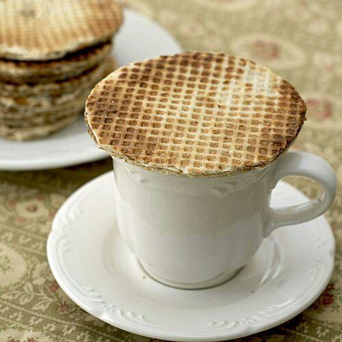 Stroopwafel and coffee. Streekgebonden cultuur en gebruiken l www.desteenakker.nl