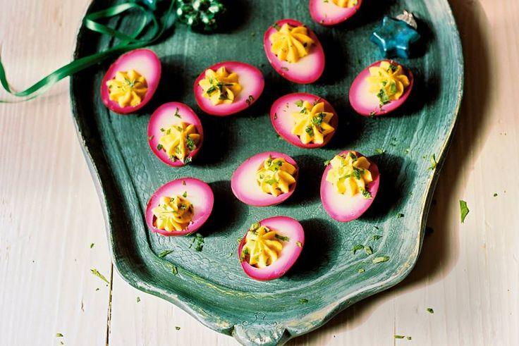 Kijk wat een lekker recept ik heb gevonden op Allerhande! Gevulde roze eieren