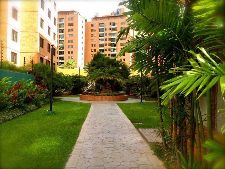 Areas verdes edificio en Colinas de La Tahona