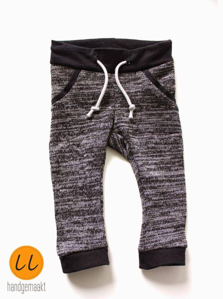 baby broek zelfgemaakt, naaien - baby pants grey sewing