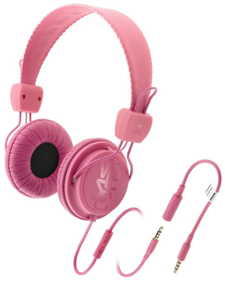 Cuffie per musica con prolunga per allungare il cavo e microfono per rispondere al telefono.  Driver di potenza 40 mm Sensibilità 1kHz: 120 dB Impedance: 32 Ohms Gamma difrequenza: 20-20 001 Hz Plug: gold-plated 3,5mm stereo Cavo: 0,5m + 1,0m extension + 0,1m adaptor, PVC Peso: 147g.    Prezzo: 49.00€    SHOP ONLINE: http://www.aw-lab.com/shop/accessori/cuffie/wesc-conga-premium-headphones-9905051