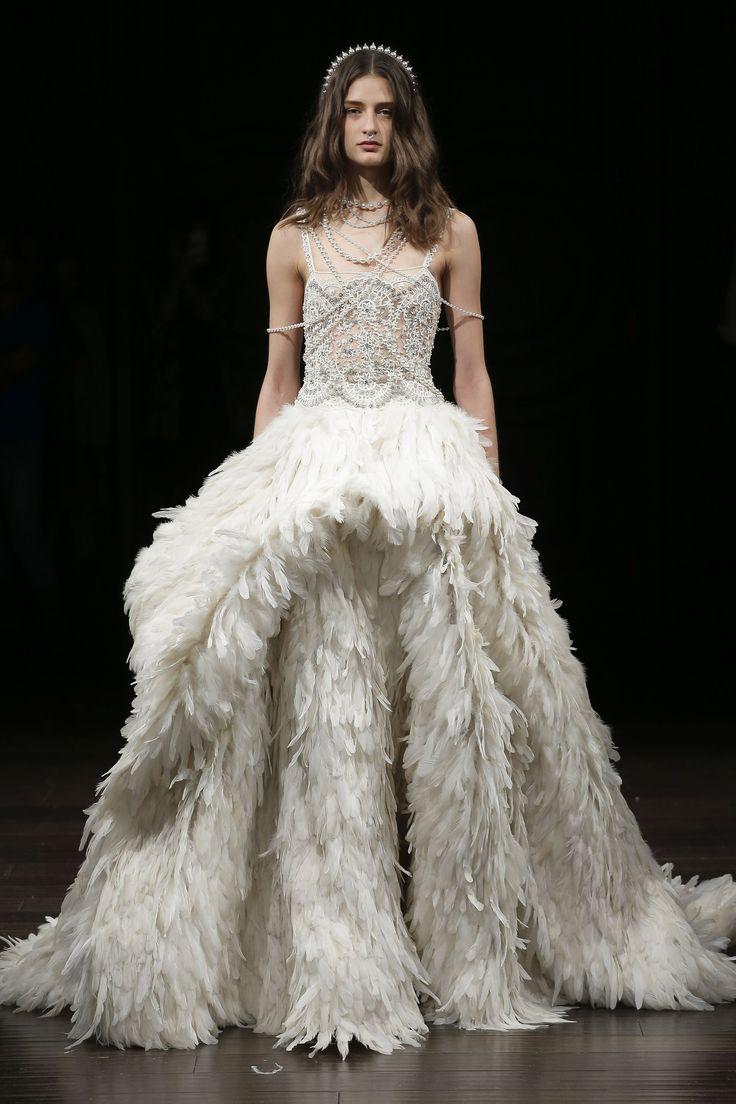 See the complete Naeem Khan Bridal Spring 2018 collection.#rexfabrics #fabrics #madetomeasure #hautecouture #couture #tecidos #telas #shoppingmiami #miami #fabricstoremiami #fabulous #fashion #fashionpolice #women #womensfashion #designer y #picoftheday #followme #charmeuse #chiffon #silk #taffeta #bridal #bride #bridesmaid #gown #dress #eveninggown #bridaldress #charmeuse #chiffon #silk #taffeta #georgette #motherofthebride #bridal #bride #bridesmaid #gown #dress #eveninggown #bridaldress