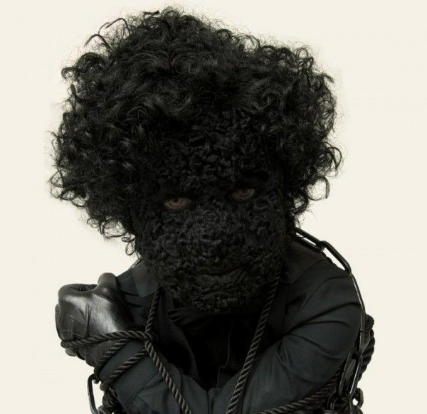 Silvia B. - Numéro Noir (2010) (DETAIL). Lambskin on synthetic material, wig, eyelashes, clothing, leather gloves and shoes, rope, chains, locks. | collection museum Beelden aan Zee