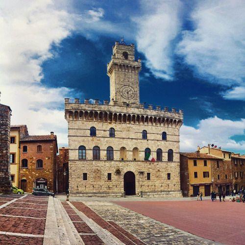 Toscana Montepulciano Palazzo Pretorio   #TuscanyAgriturismoGiratola