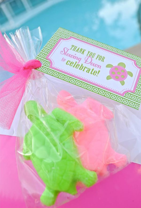 I love this SEA TURTLE PARTY FAVOR IDEA at a Preppy Pink and Green Sea Turtle Party!