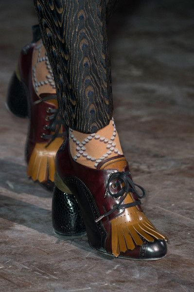 Dries Van Noten at Paris Fashion Week Fall 2016 - Details Runway Photos