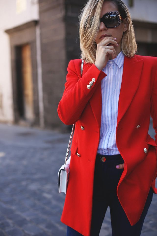 Try a red blazer with your work shirt and you'll never have another boring day at work.  #GoBold #BoldlyGo #Style  workinglook.com