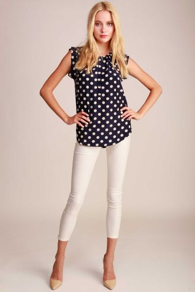 POLKA DOT PRINT POPOVER TOP WITH RAW EDGE SLEEVES AND 3/4 BUTTON DOWN
