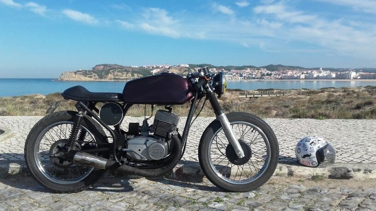 Jawa 350 in S.Martinho do Porto #cafeRacer