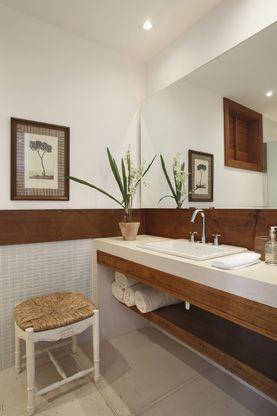revestir meia parede banheiros?