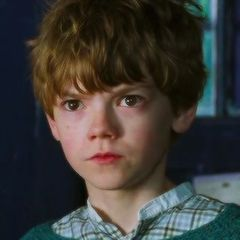 Nanny McPhee. #thomasbrodiesangster #thomas #brodie #sangster ❤️❤️ What you prefeer? Nanny McPhee or Nanny McPhee 2??