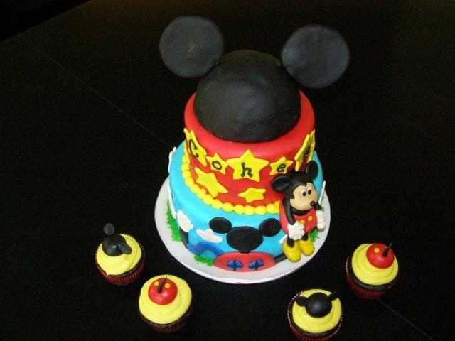 93 best Birthday Cakes images on Pinterest Birthday cakes
