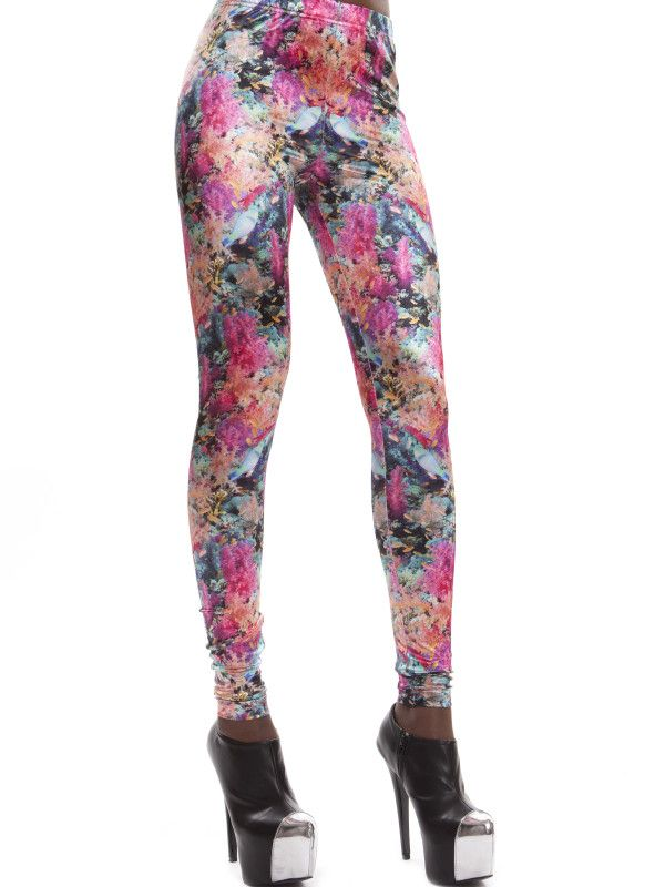 Leggings Coral Reef - €79 - Glänzende Lycra Leggings, Korallen- und Meermotiv  Shiny lycra leggings, coral and sea motives, bright colors, high waist cut, perfect fit! Don´t be shy, try the impact!