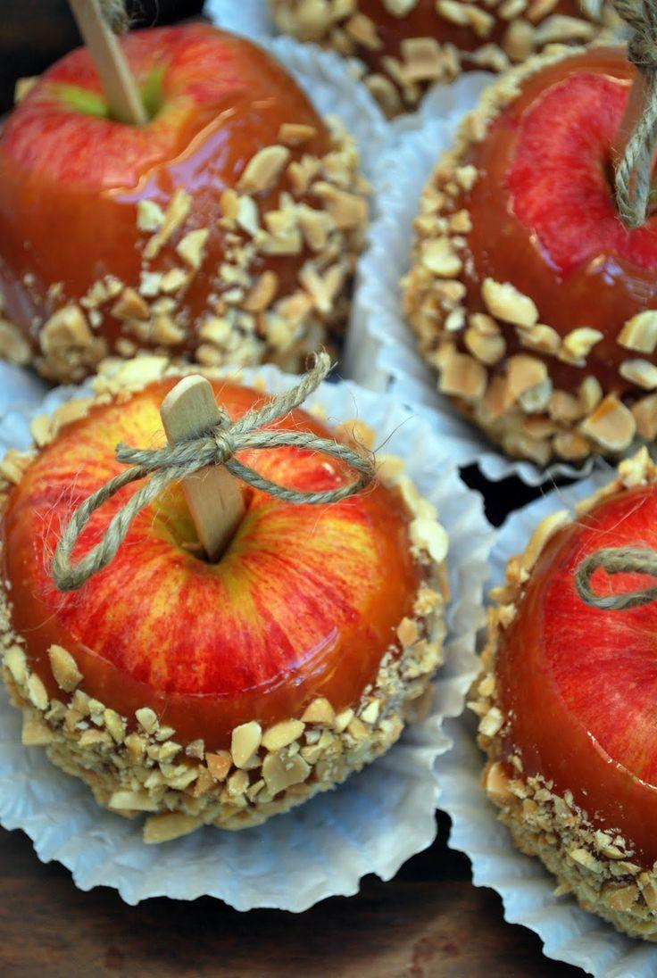 Pretty caramel apples!