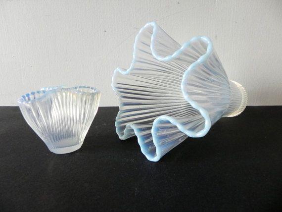2 Arthur Percy, Gullaskruf art glass opalescent vases, Reffla. Swedish modernist design.