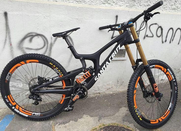 105 best mountain bikes images on pinterest bicycles bicycling santa cruz v10 carbon mtb downhill bike bicycle altavistaventures Image collections