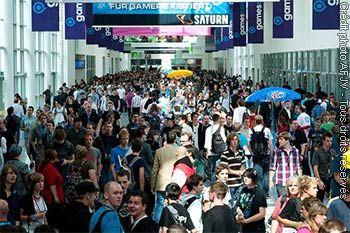 Gamescom : tickets épuisés pour vendredi et samedi - Après la journée du samedi, les tickets journaliers pour les visiteurs particuliers du salon gamescom sont à présent également épuisés pour le vendredi dans la billetterie en ligne.