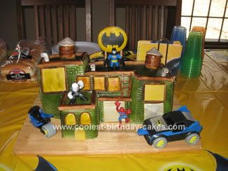 Homemade Batman Cake: I made the Batman cake for the son's 4th birthday.  I based it off of the cake that Confetti Cakes made for the launch of the Batman Legos video game.Batman Cake