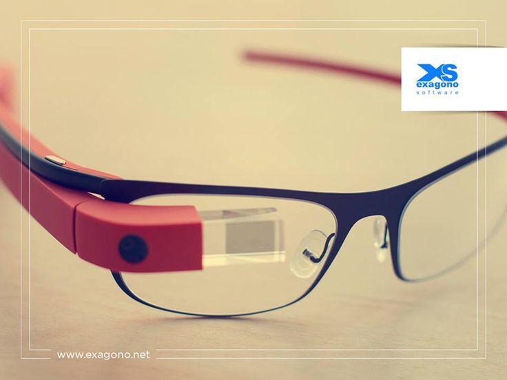 ¿Conoces #ProjectGlass?  Es un proyecto para desarrollar gafas de realidad aumentada por parte de #Google. Tienen una pequeña pantalla frente a los ojos del usuario y contará con micrófonos, batería oculta, cámara de video, sensores de movimiento, #GPS y conexiones a 3G y 4G. ¡Chécalos!  #Multimedia #Websites    #Marketingdigital