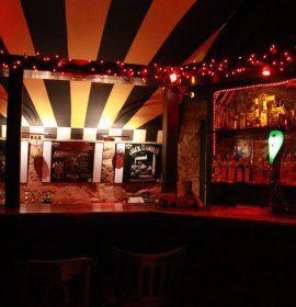 Klub Carpe Diem I znajduje się na jednej z bardziej znanych ulic Krakowa.Rock & blues to główny fundament, na którym opiera się marka klubu.