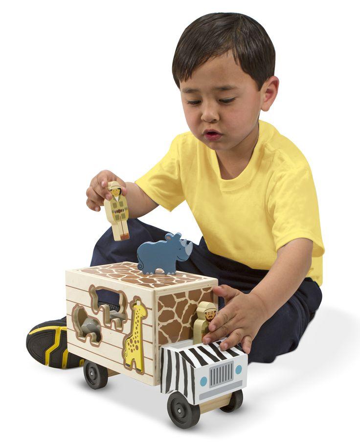 CAMIONETA DE RESCATE DE ANIMALES Juguete de madera. Camioneta para clasificar formas. 7 piezas de animales, 2 figuras de patrulla de rescate y camioneta de safari con puerta que se levanta. Con este camión safari y dos patrulleros de rescate están listos para ayudar a sus amigos animales PVP: 21,90 € http://www.babycaprichos.com/camioneta-de-rescate-de-animales.html