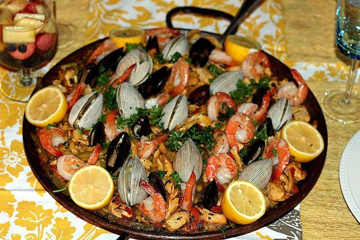 26cb8497c1babeca4d397573527ced55 seafood paella spanish tapas jpg