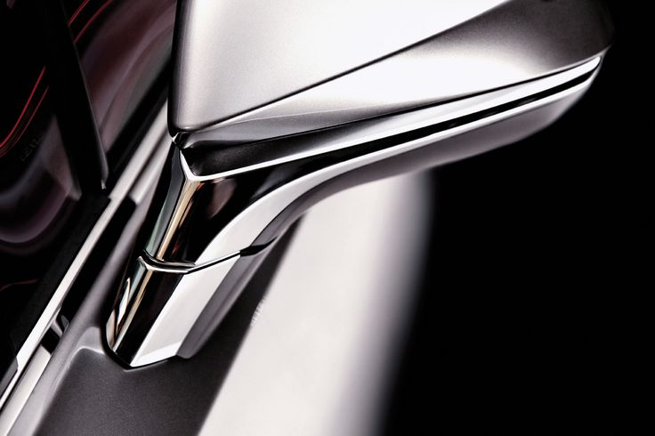 다소 낯설고 놀랍기까지 한 NX 300h 의 첫인상은 세단처럼 보이기도 하지만 공격적일 정도로 젊고 강한 느낌이다. | Lexus i-Magazine 다운로드 ▶ www.lexus.co.kr/magazine #Lexus #Magazine #NX300h #NX #surface
