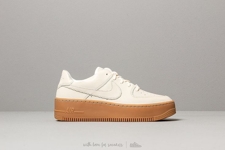 Air Force 1 07 Lx Baskets Basses Nike W Air Force 1 Sage Low Lx Pale Ivory Pale Ivory Gum Light Brown Footshop Nike Air Force Brown Nike Pink Nike Shoes