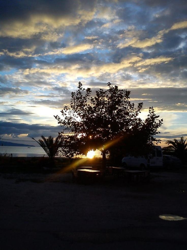 Ηλιοβασίλεμα στον Αμβρακικό