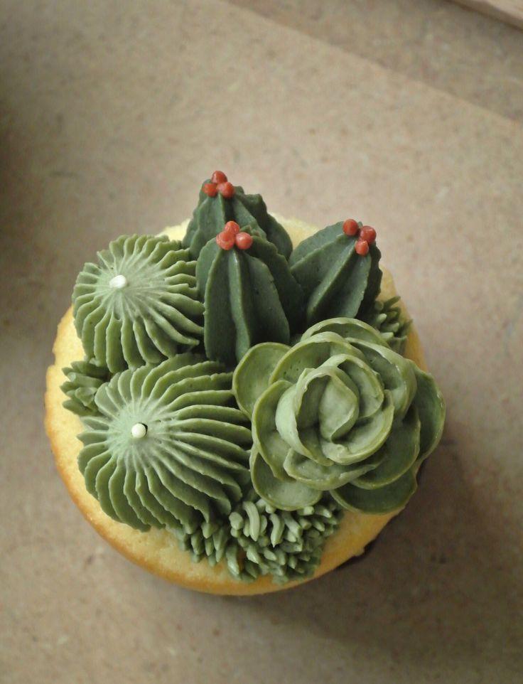 17 Beste Afbeeldingen Over Kreadoe Taart Cupcake En Koek