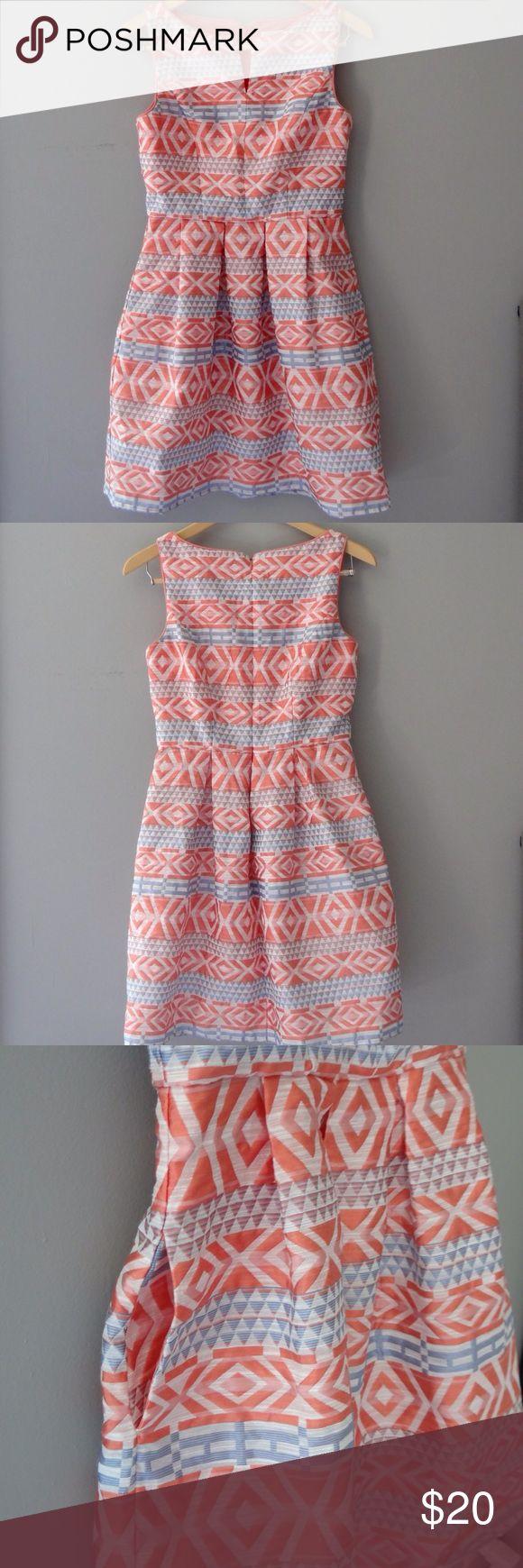 Jessica Simpson Sleeveless Dress Pre-loved Jessica Simpson Sleeveless dress with pockets. Dress is Partially linned. Jessica Simpson Dresses Mini