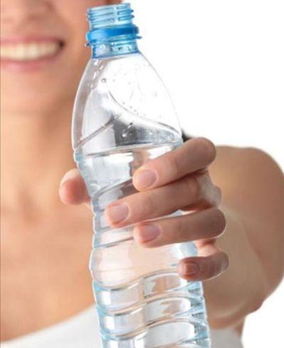 Especialistas ensinam como deve ser feita a ingestão de líquidos antes, durante e após a prova