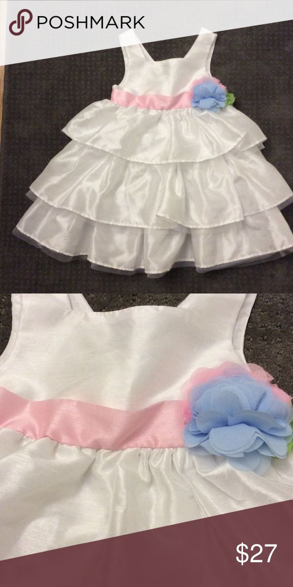 Mud Pie Sz 5t Girls Dress This dress is perfect with lots of puff! Mud Pie Dress Size 5t. Easy to wash and worn only once, this garment is in excellent condition. Mud Pie Dresses Formal