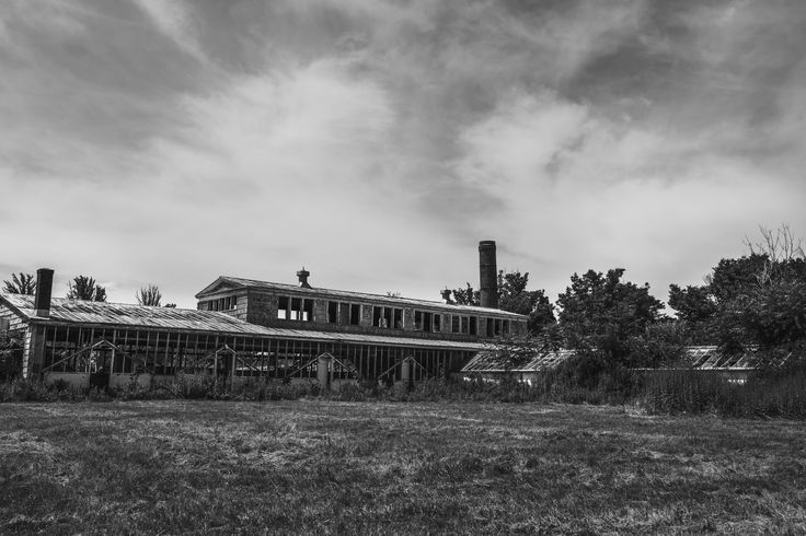 olf factory building  -http://lacasamorett.com/foxgallery/old-factory-building-black-and-white