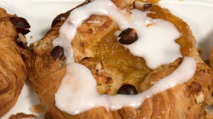 """Danish pastry made with butter - """"A Danish"""" with cream or jam (spandauer)"""